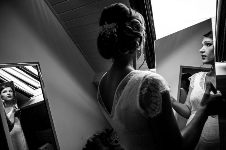 Trouwen, Trouwreportage, bruiloft, trouwen in Twente, trouwfotograaf, Enschede, Twenterand, bruidsfotografie, liefde, spiegelfoto, bruid